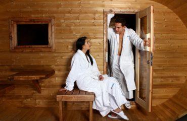 Do sauny s plným nebo prázdným žaludkem
